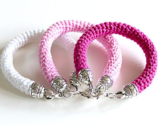 free crochet pattern bracelet spring summer mothersday gift