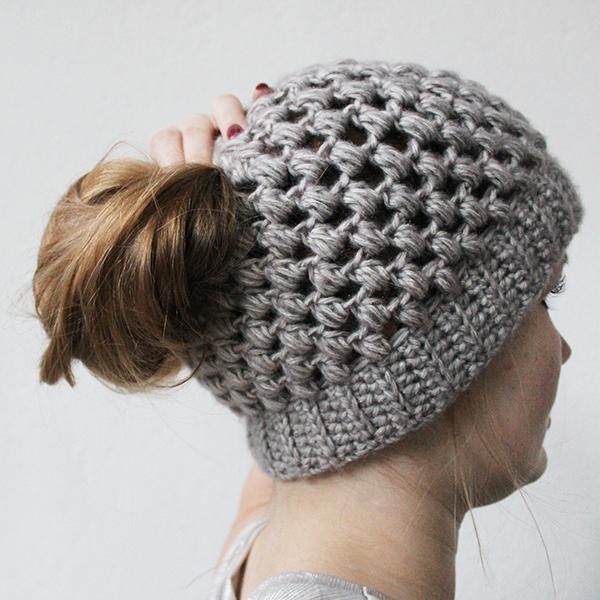 Free crochet pattern puff stitch bun hat