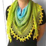Pom pom happiness shawl - free crochet pattern - square