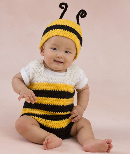 Little Baby Bee Playsuit & Hat Redheart - free baby crochet patterns