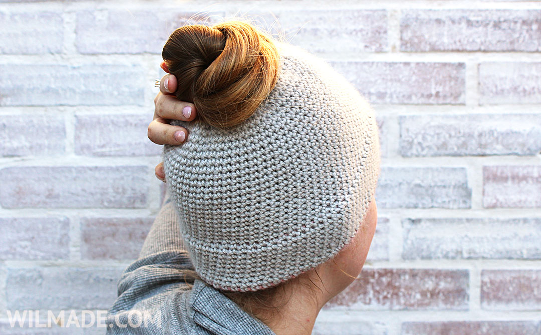 Free crochet pattern: simple double brim hat - bun hat version