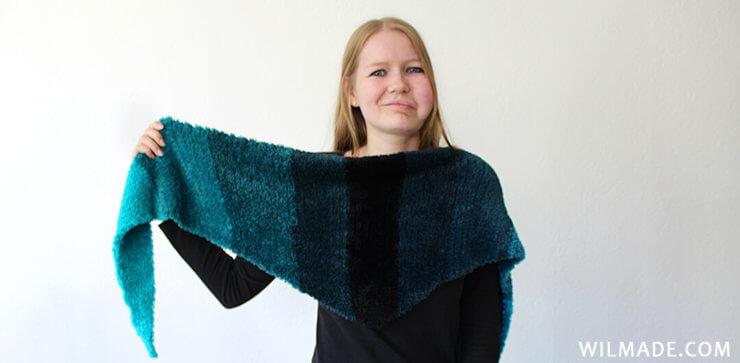 Fluffy crochet triangle shawl - free crochet pattern with Katia Velour Degrade yarn