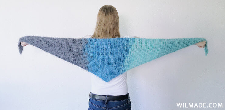 Its so fluffy driehoeksjaal - free fluffy crochet shawl pattern - Lion Brand Soft Spoken