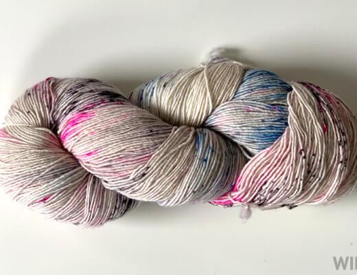 How to unwind a hank of yarn tutorial - kraeo yarn hank