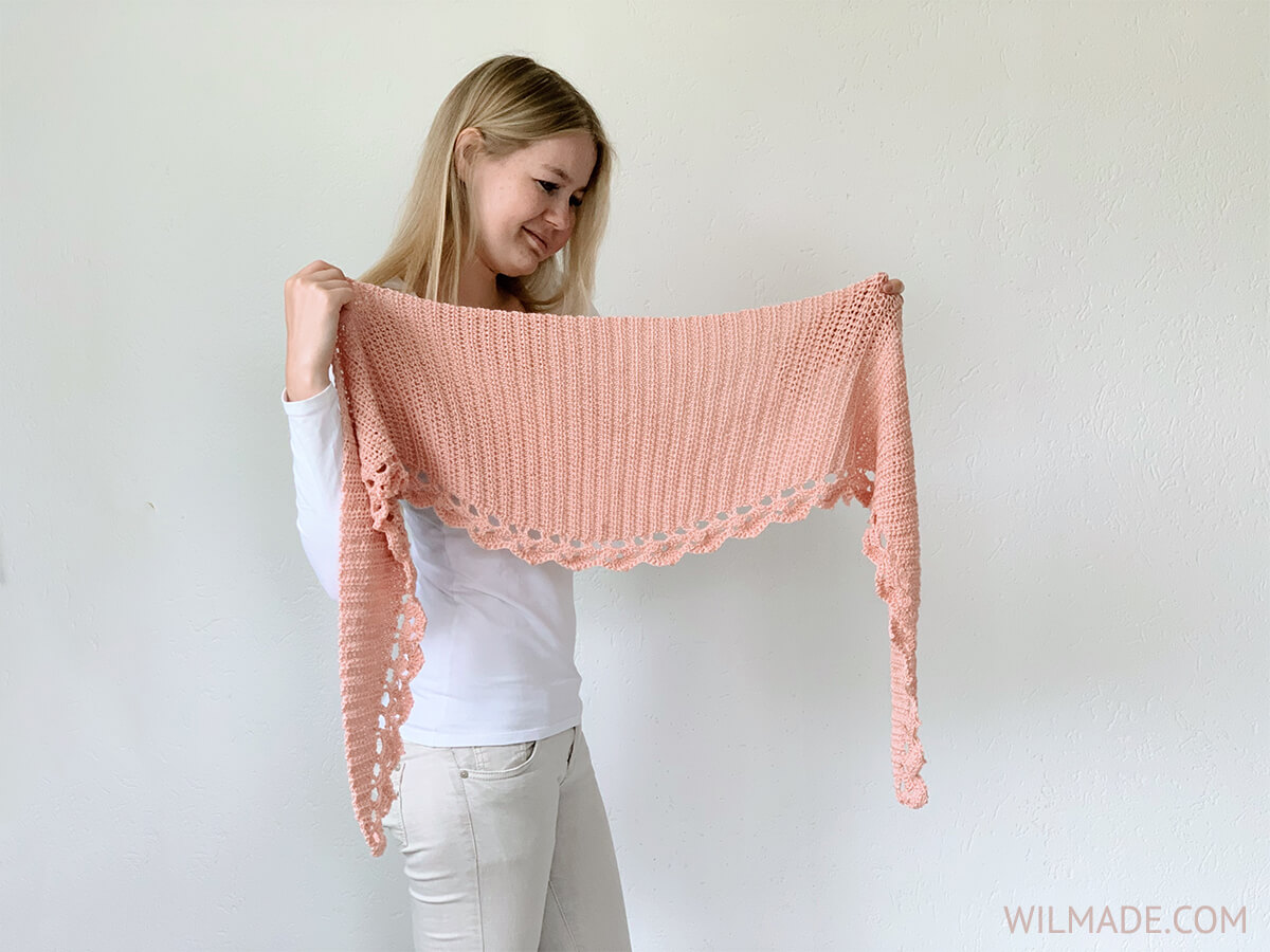 To The Point shawl - a free circular crochet shawl pattern by Wilmade