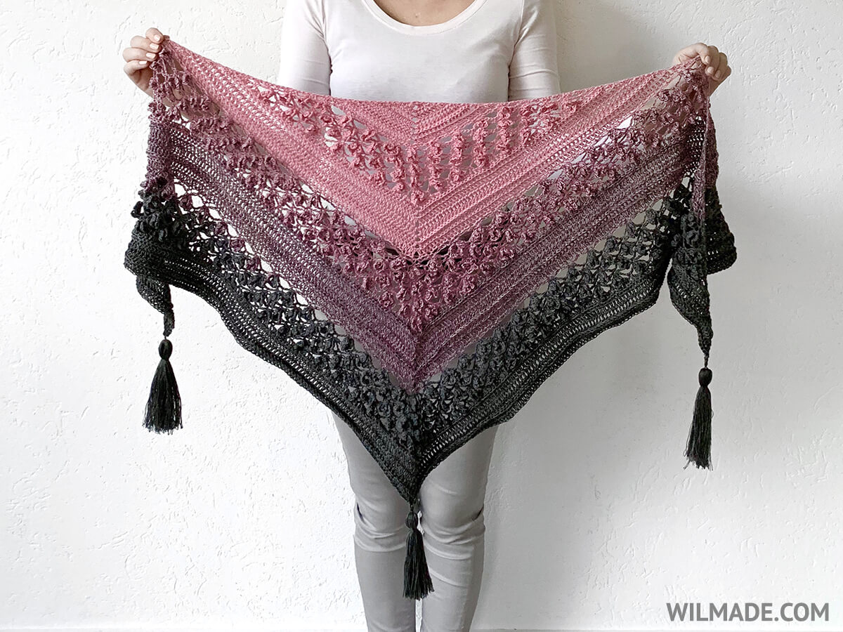 Free crochet flower shawl pattern - Vela Flower Friend Shawll