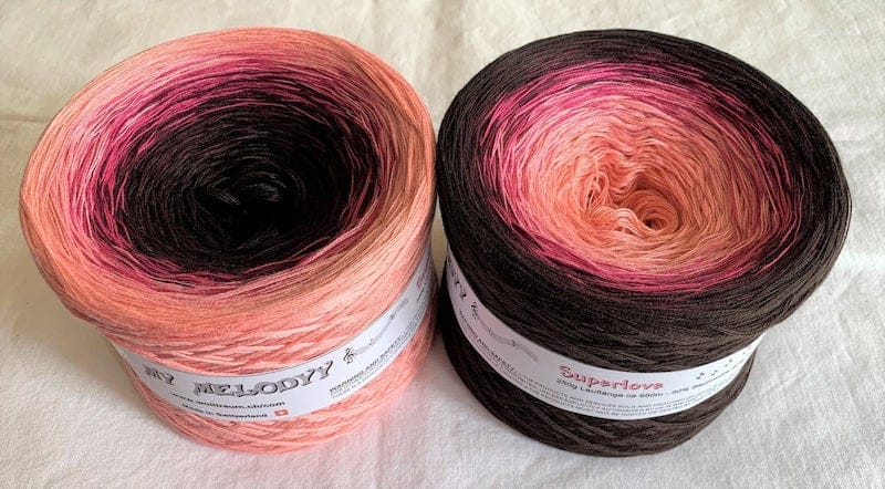 Last minute Christmas gifts for crocheters - gradient yarn cake wolltraum