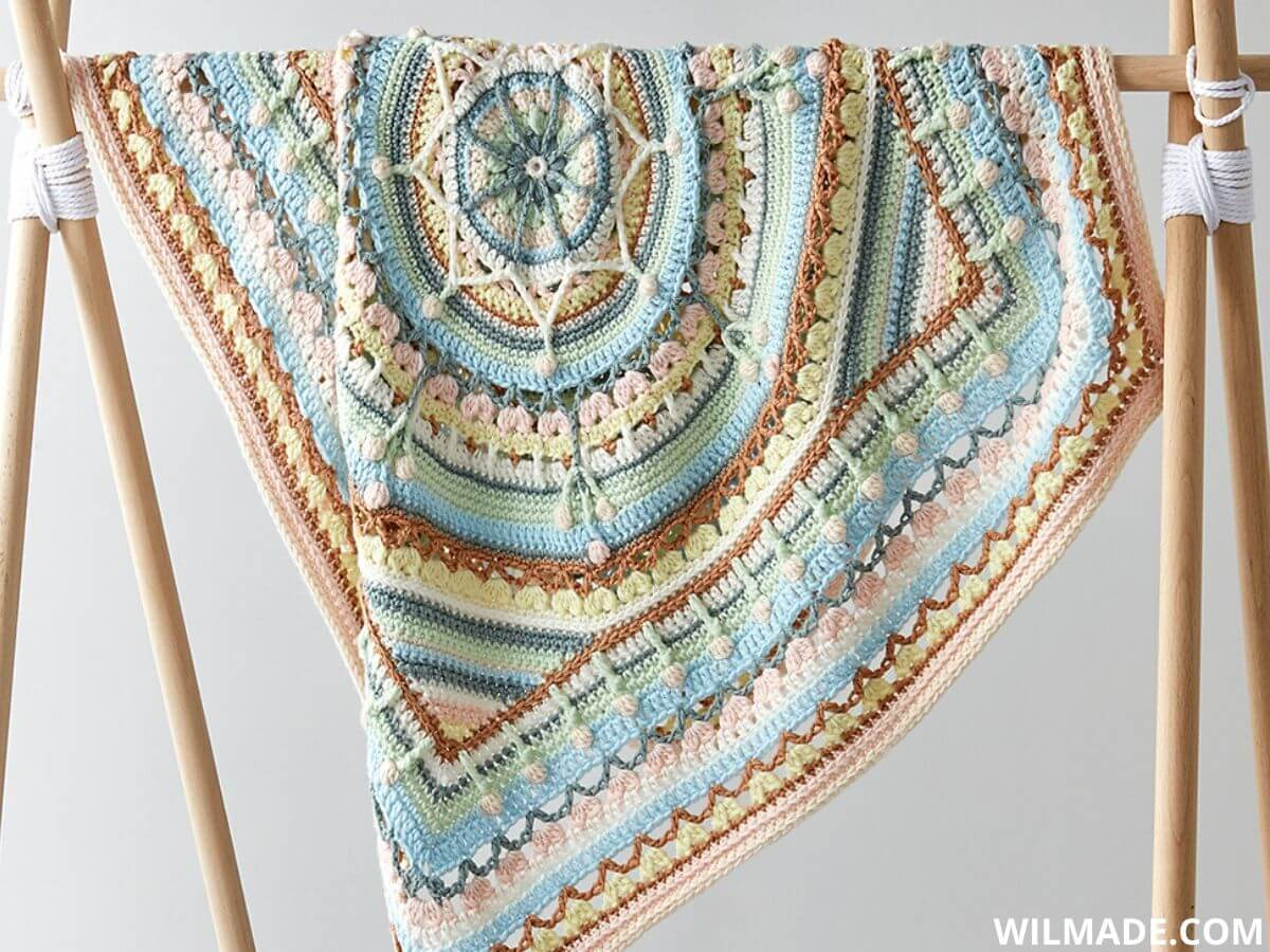 Katia Oasis Mandala CAL 2020 baby blanket by bykaterinacrochet