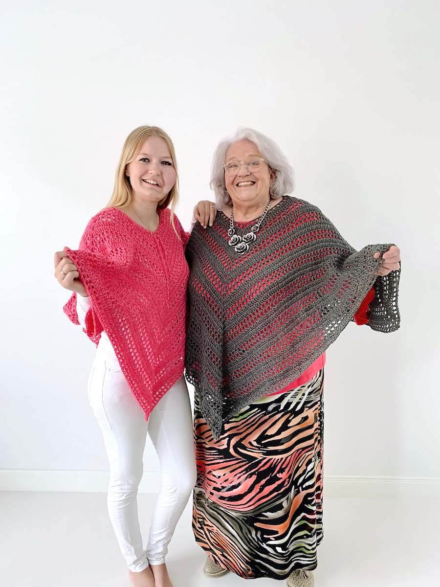 Such Simple Poncho - free crochet pattern for beginners in size s-5XL - Wilma Westenberg en Willy Post