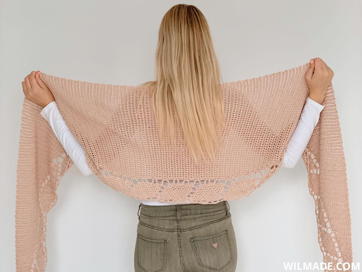 crochet leaf shawl - free crochet pattern by Wilmade with Lionbrand Coboo