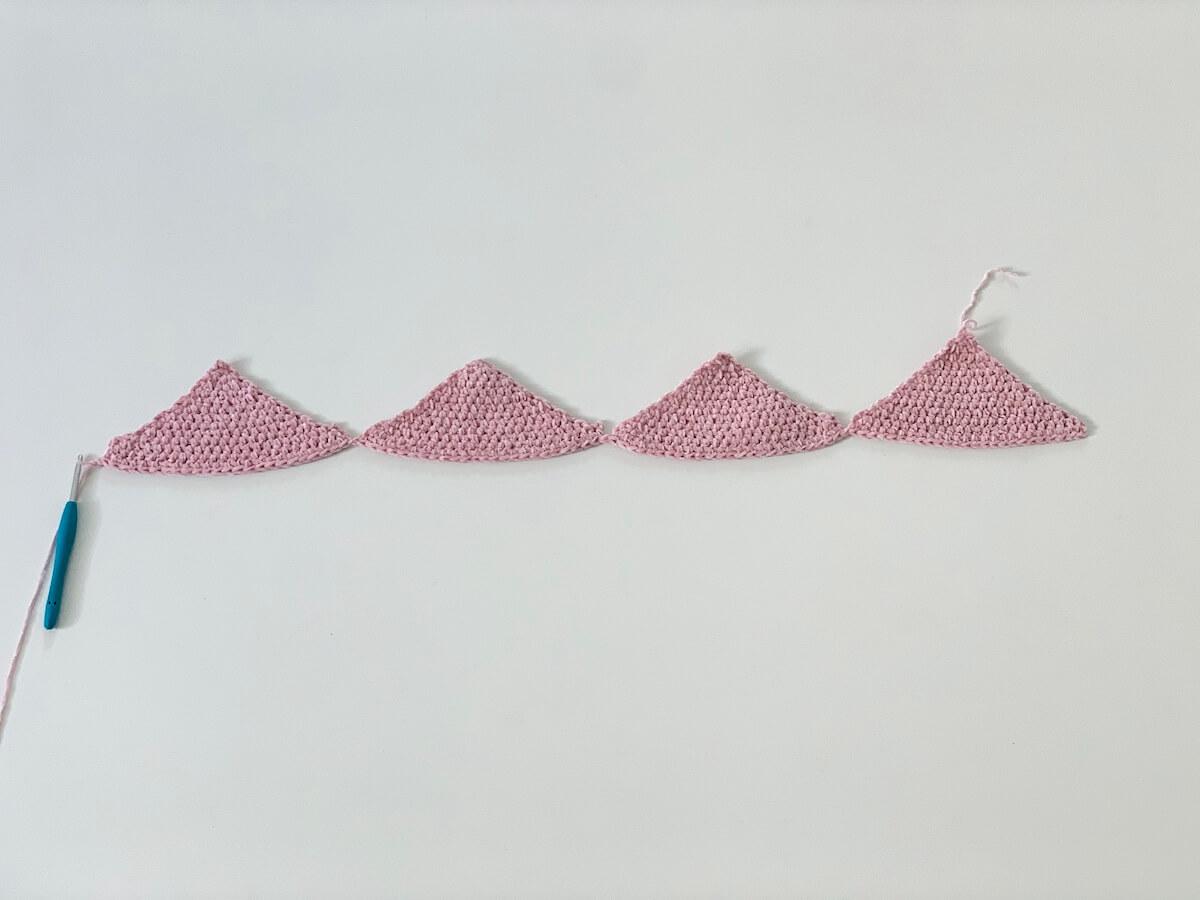 crochet velvet crop top katia tutorial - triangles